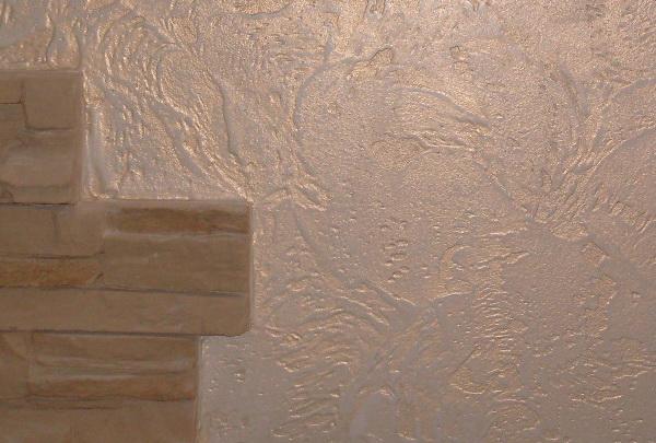 Стена из искусственного камня из штукатурки